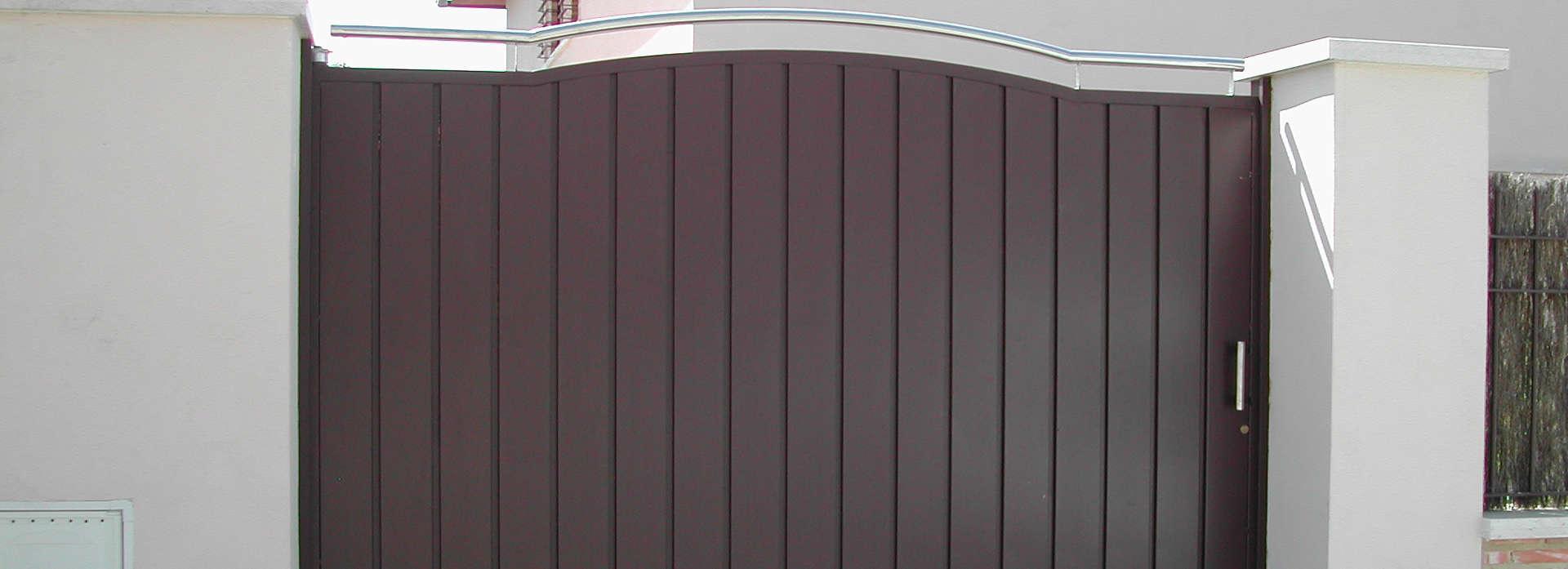 Instalación de puertas metálicas